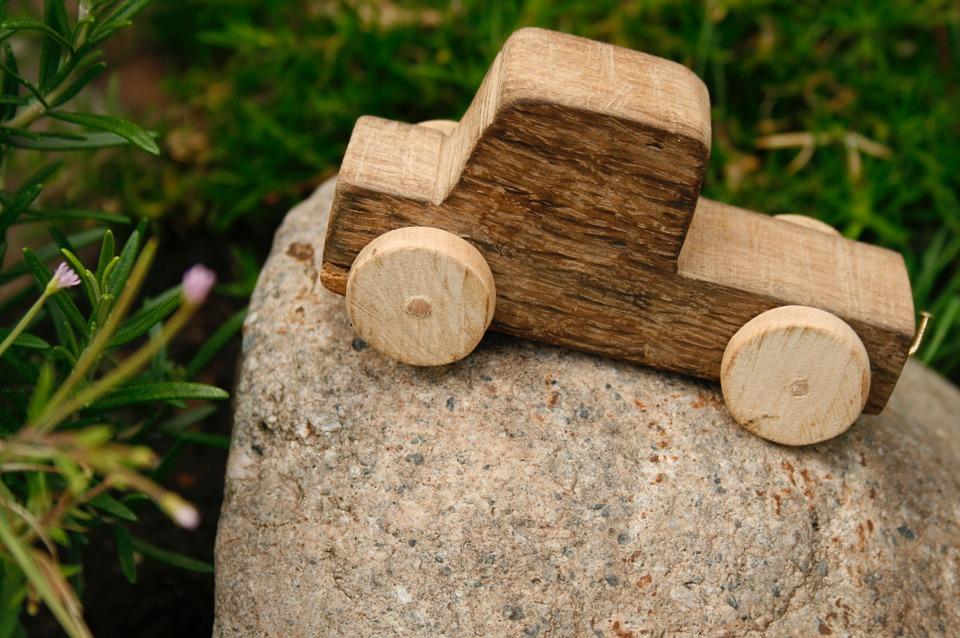 wooden-car-1039298_960_720