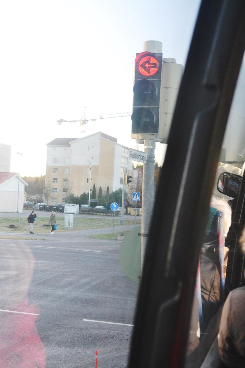 Selkä-jalka-bussi-001